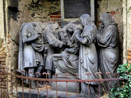 headless cemetery frieze Prague